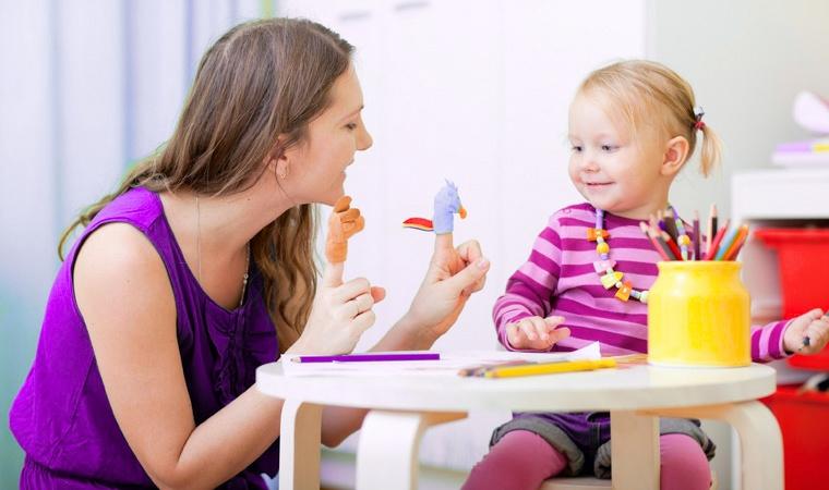 Логопед-психолог-с-маленькими-детьми